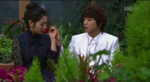 "Park Shin Hye and Jung Yong Hwa in ""You're Beautiful"""